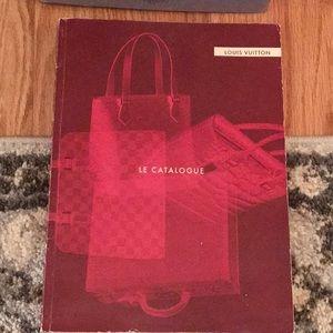 LOUIS VUITTON 2001 Le Catalogue